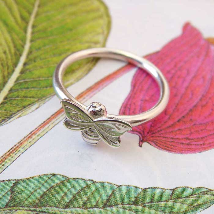 Dainty Bee Ring