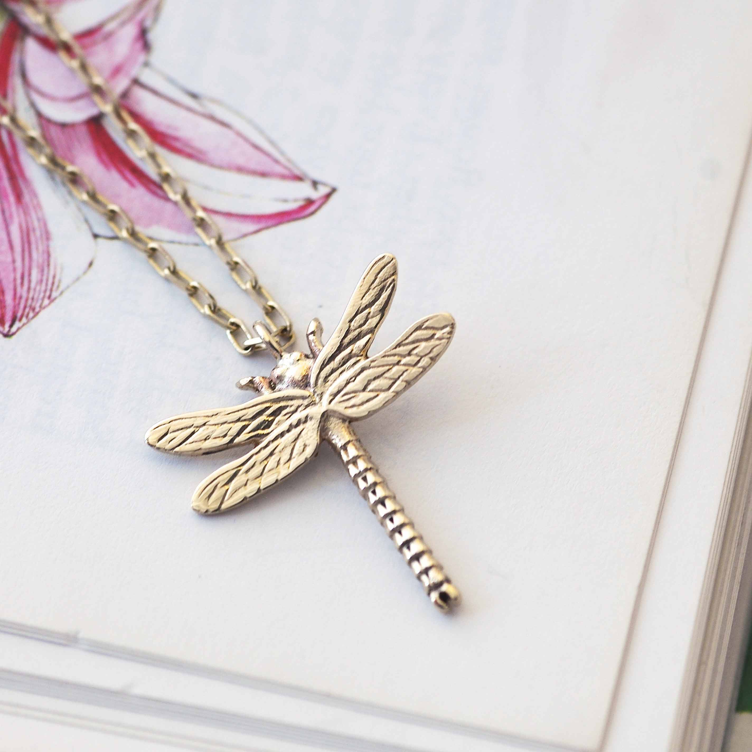 princess shop sales en deziris dragonfly necklace